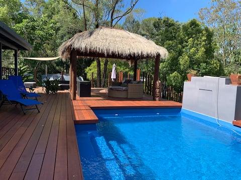 5 personnes 2 chambres 1 salle de bain privée piscine.