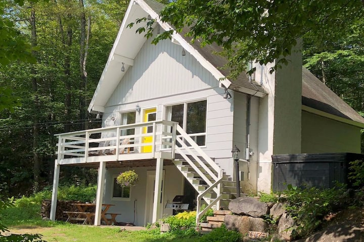 """""""The Sweet Escape"""" Chalet St Adolphe Douce Evasion"""