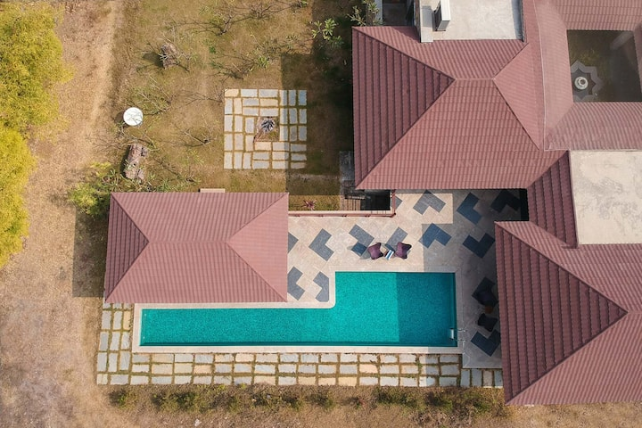 Shivnandini Farms 3BR luxury villa W/ pvt pool.