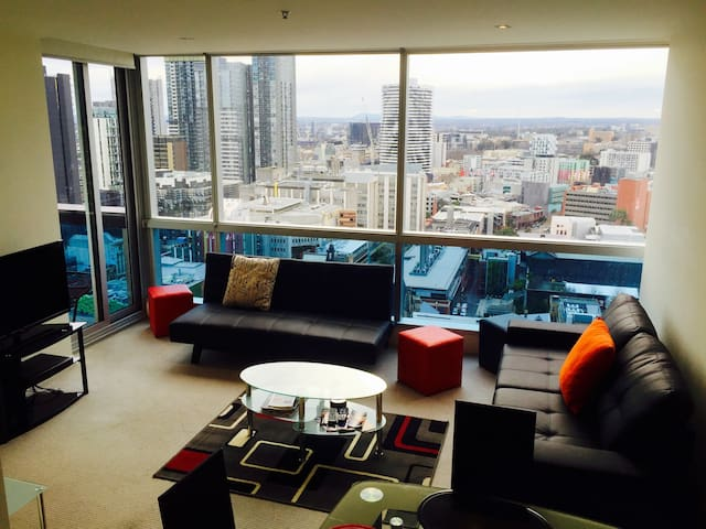 Amazing view!Melbourne City CBD! QV,Sleeps 4, Wifi