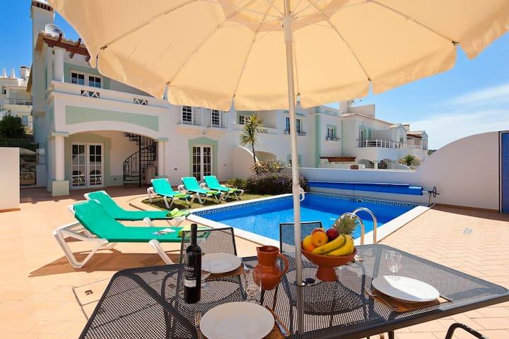 3 bedroom villa priv. pool #139 Quinta da Encosta