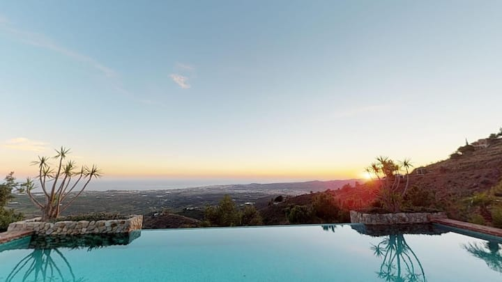 Finca Eucalipto; Private and luxurious holiday.