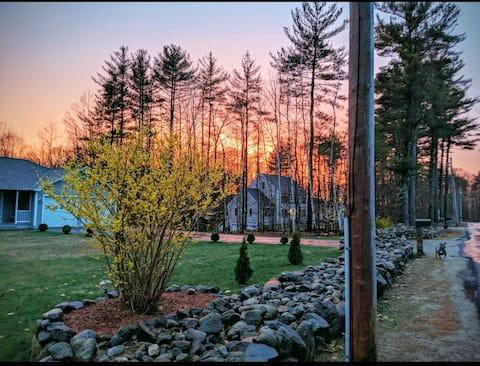 Sunny, peaceful, elegant, private Maine getaway.