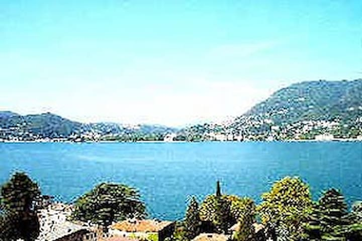 My house on the Lake of Como - Blevio - Pousada