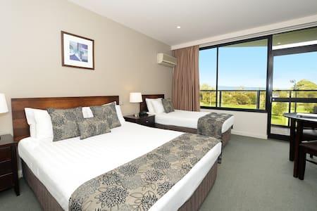 Private room in 4.5 star CBD Hotel - Adelaide