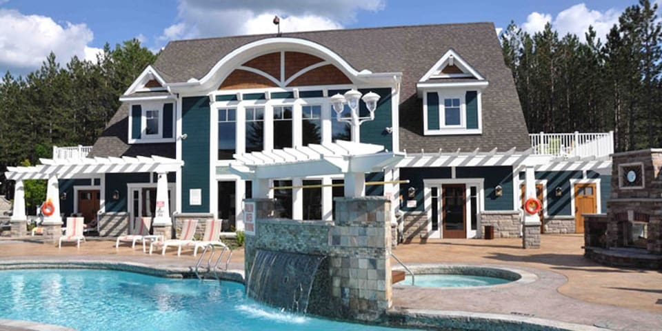 Luxurious Muskoka Cottage- pool... - Baysville - Cabana