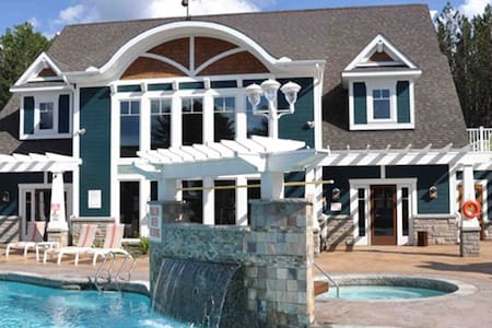 Luxurious Muskoka Cottage- pool... - Baysville