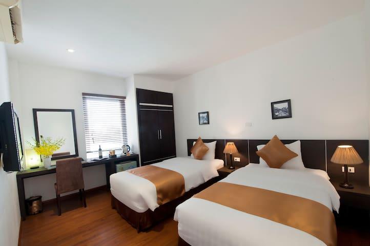 Merci Hotel nearby Hoan Kiem Lake - Hoan Kiem Dist - Bed & Breakfast