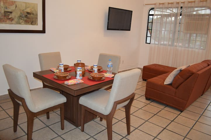 Cozy apartment with a great location!