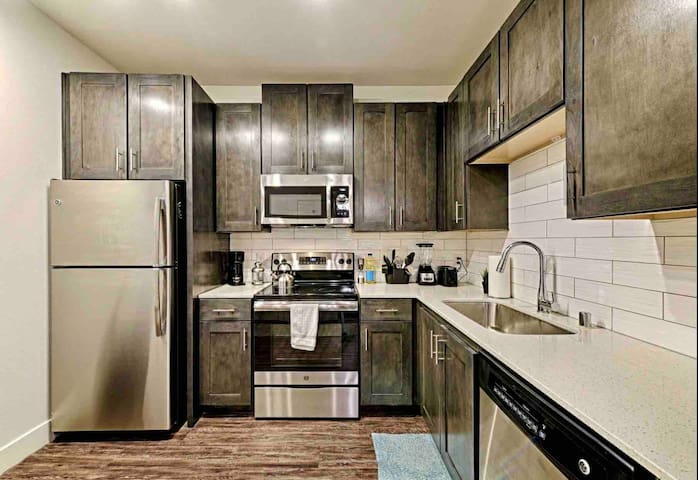 Legacy West large studio, great amenities, dining