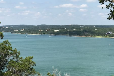 Stunning Lake Travis Beach House, Sleeps 12!