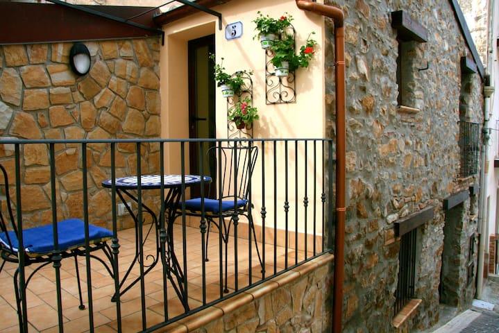 Casa Nonno, Sant'Ambrogio nr Cefalu - Cefalù - House