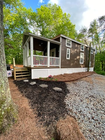 Tiny House in the woods with family lake!