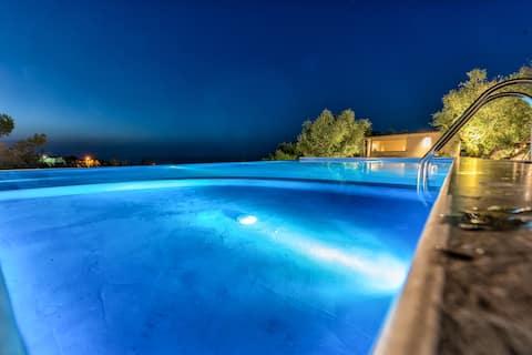 イリエッサ海の景色のコテージ( IVISKOS )