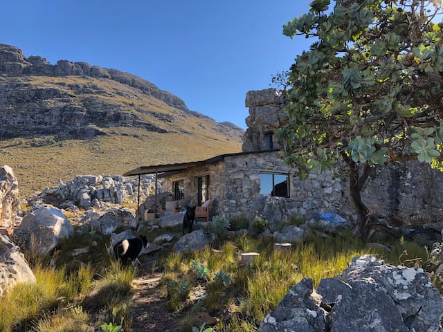 Grysklip High Mountain Stone Cottage, Cederberg