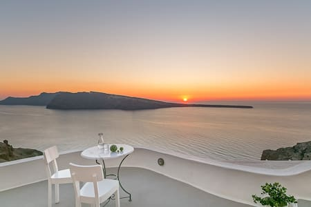 SUNSET CAVE HOUSE IN OIA - 이아(Oia) - B&B