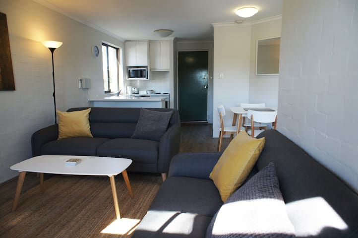 Luxury 2 Bed Apartment - min 3 months  -negotiable