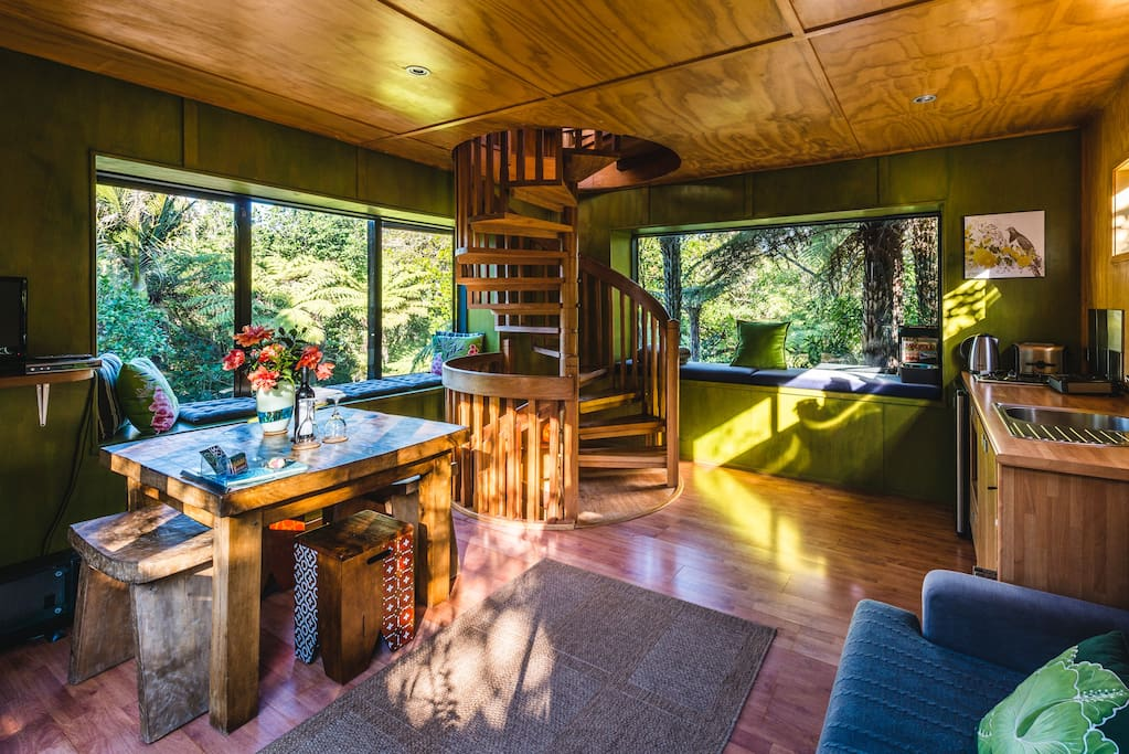 Lovely sunny living & dining area with small kitchenette