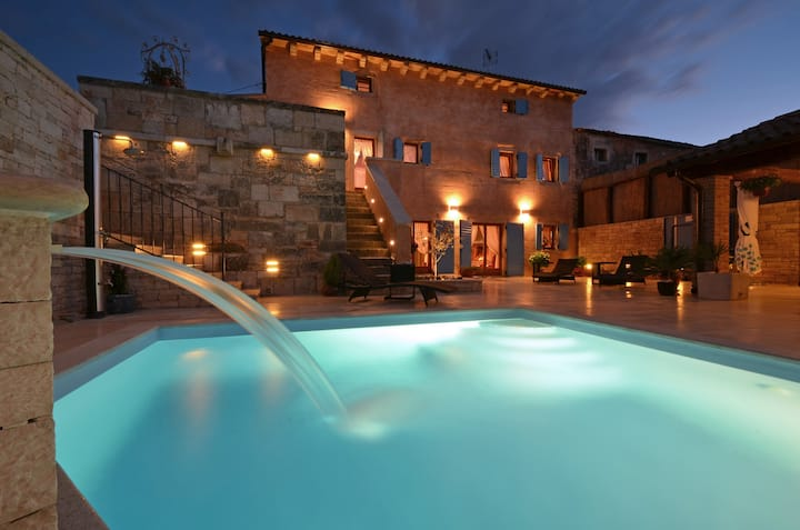 Villa Fumica for 10 guests with HEATED POOL