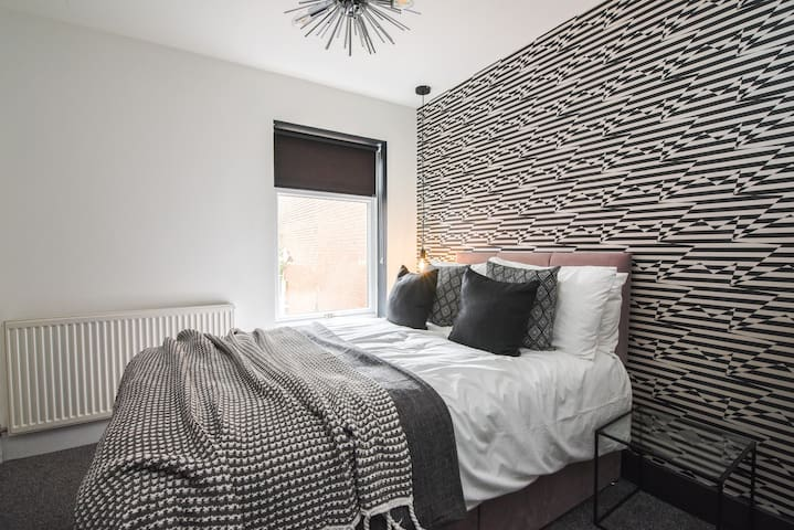 Stunning Ensuite Room