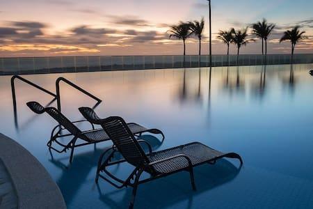Manhattan Beach Riviera Resort