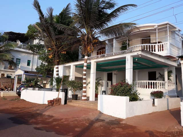 Cozy Homestay on Ashwem beach# Room 2