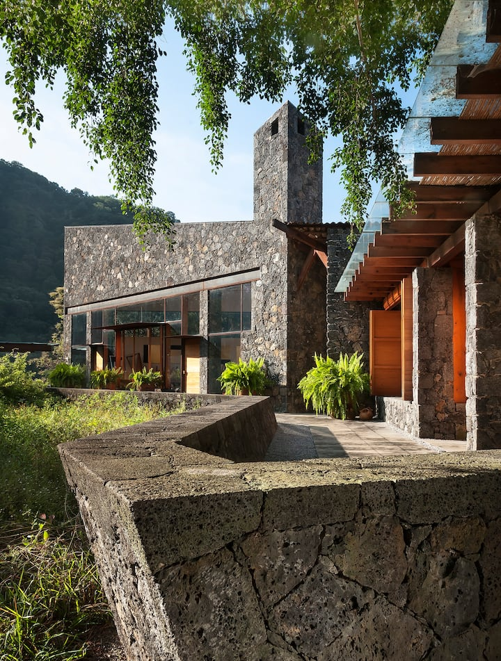 Casa Ayehualco, designer's home immerse in nature