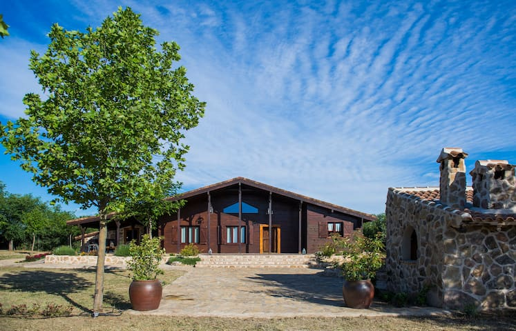 """""""los Castillos"""" Casa Rural  a  una hora de Madrid"""
