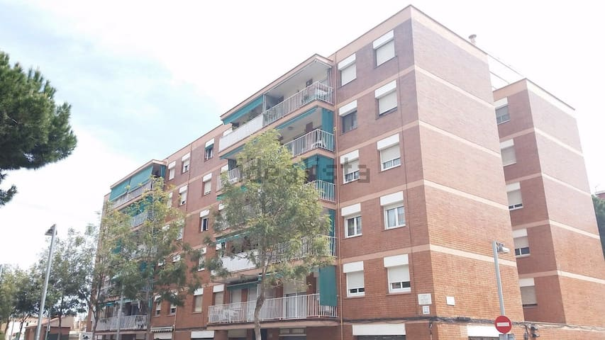 Room with Parking in Barcelona City - Barcelona - Daire