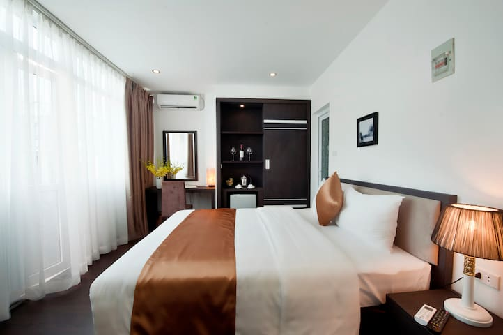 Deluxe City View room in Hanoi - hanoi