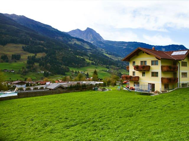 Landhaus GASTEIN - Gemeinde Dorfgastein - Társasház