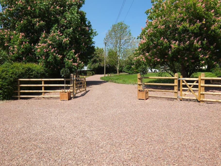The gravel drive entrance to Dovecote Barn