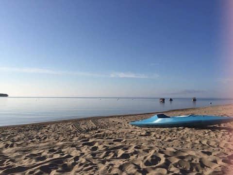 Chalet vauvert bord du  lac-saint-jean