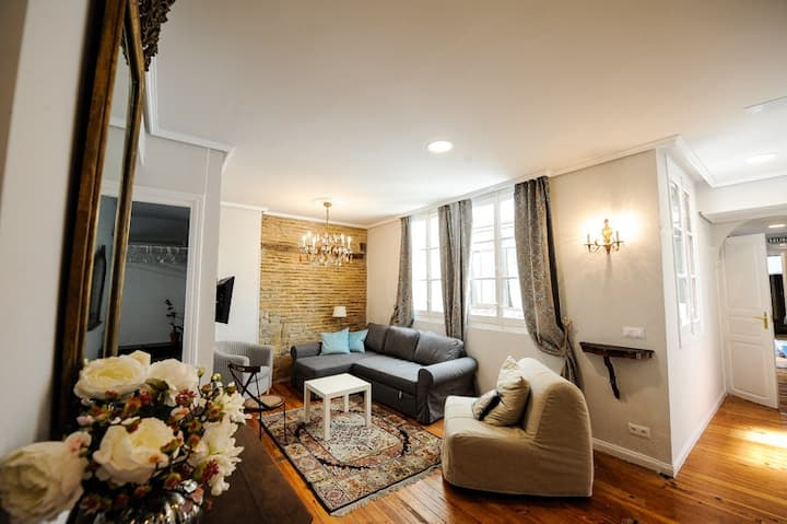 Heart of Pamplona Apartment II
