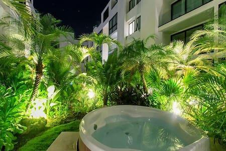 A-Nah Suites Duplex Penthouse Loft