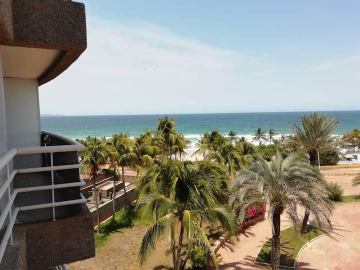 ISLA MARGARITA en Guacuco Beach, vista al mar