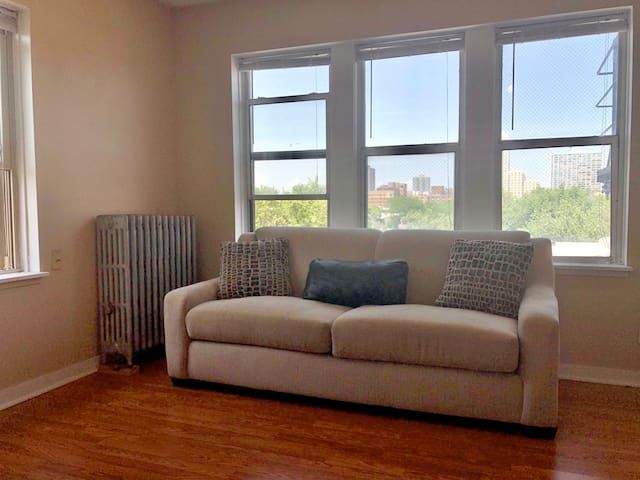 Insane value corner unit w/ skyline view!