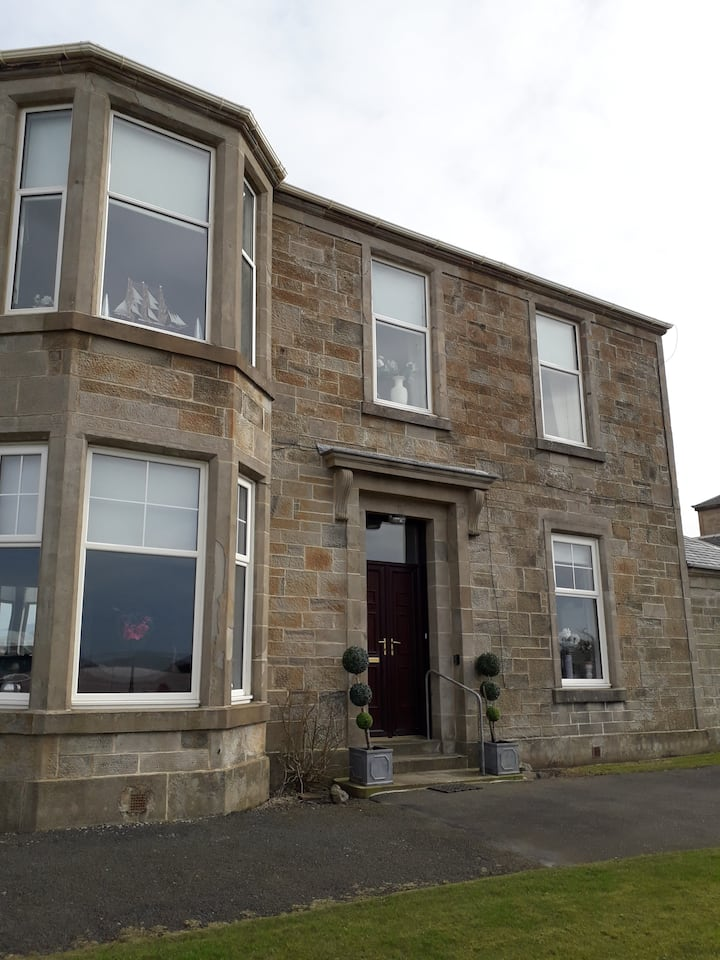 Ardneil House Seafront Apartment Troon Ayrshire