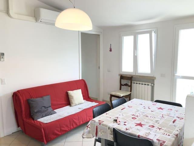 Appartamento nuovo con terrazza abitabile a due passi dal mare