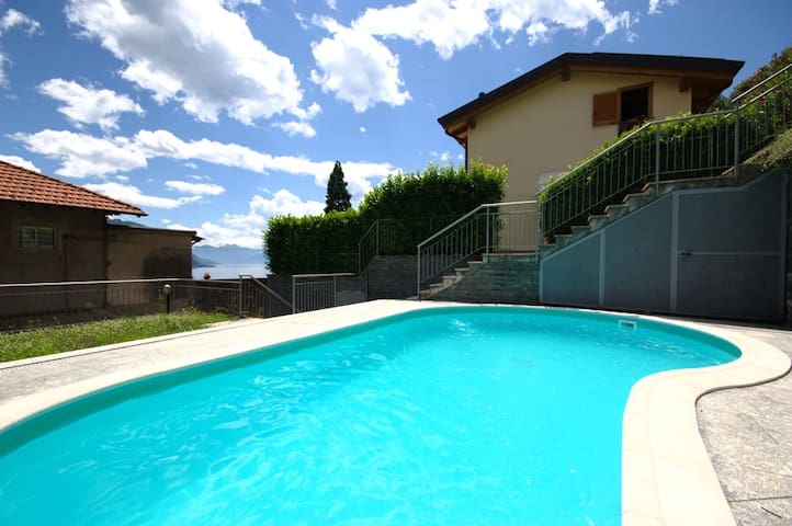 Le Vele apartment with shared pool - Santa Maria Rezzonico - Appartamento