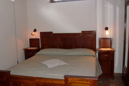 Meditative, private rooms, 1 hour from Rome. - Frasso Sabino - Huis