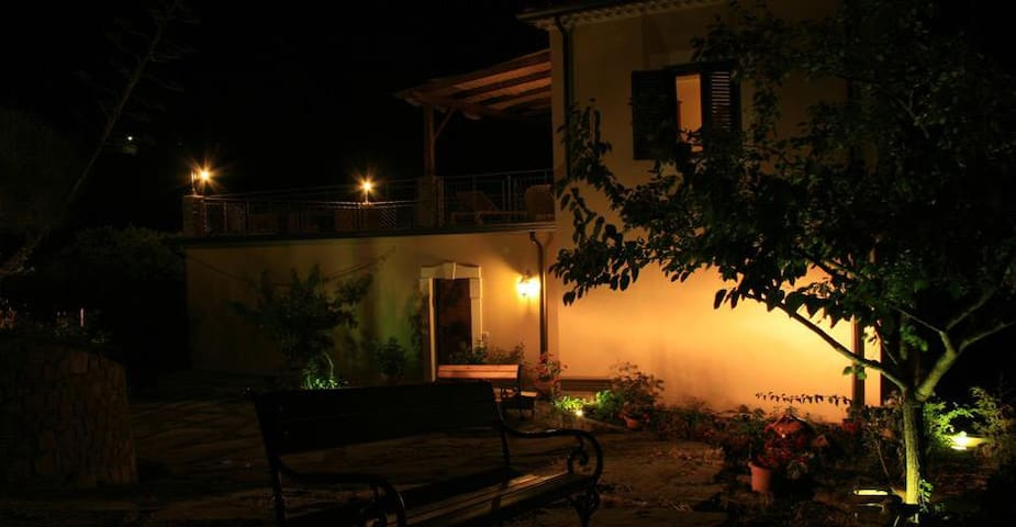 CASALE FLORENZO-COUNTRY HOUSE B&B - San Mauro Cilento