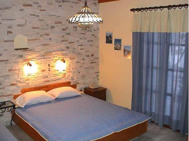 Apartment for 4 person in Naxos Ag.Georgios - Náxos - House