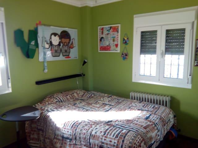 Habitación doble en excelente casa - Ogíjares - Ev