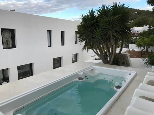 Private room in new villa