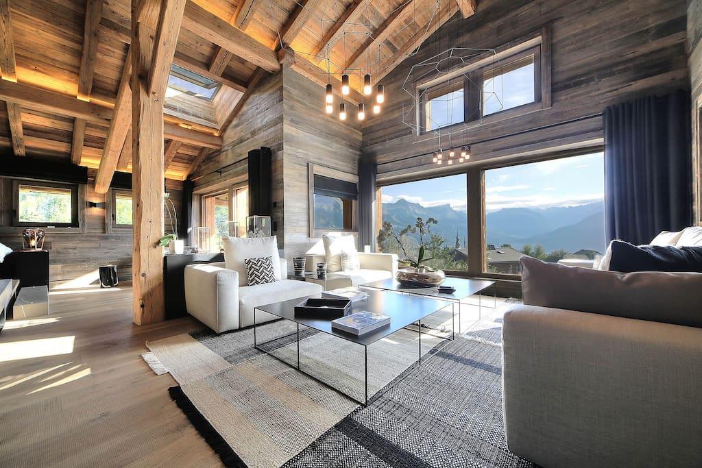 Chalet luxe 5 chambres piscine vue mont blanc chalets for Combloux piscine