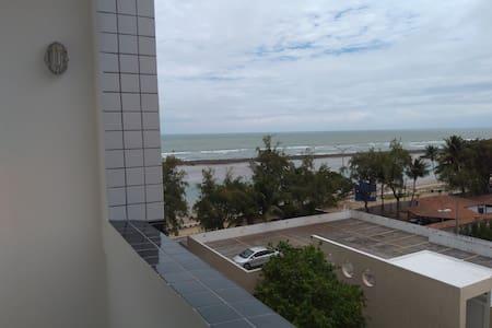 Flat Quatro Rodas à beira mar em Olinda