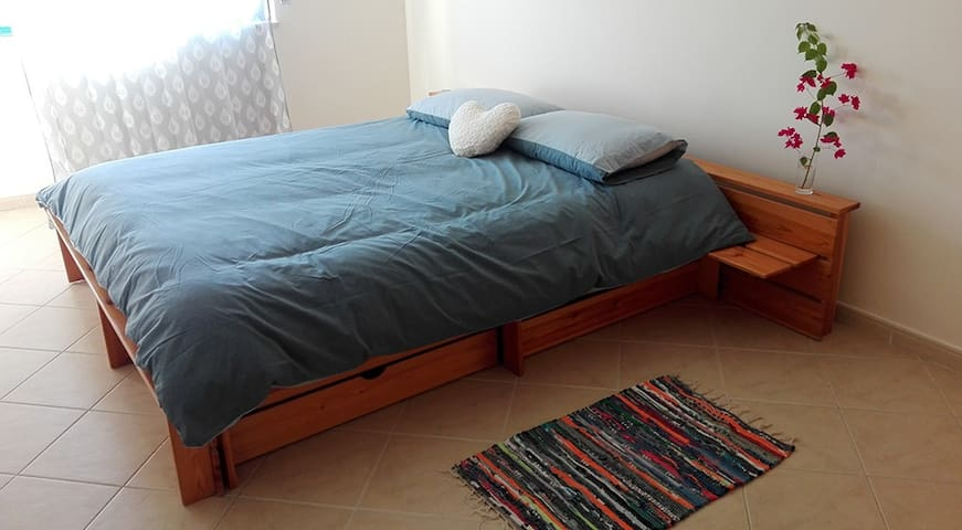 Comfortable room near Faro Airport & Algarve Univ. - Montenegro - Daire