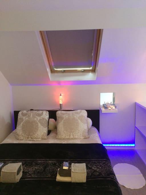 KINGSIZE BED 180 x 200
