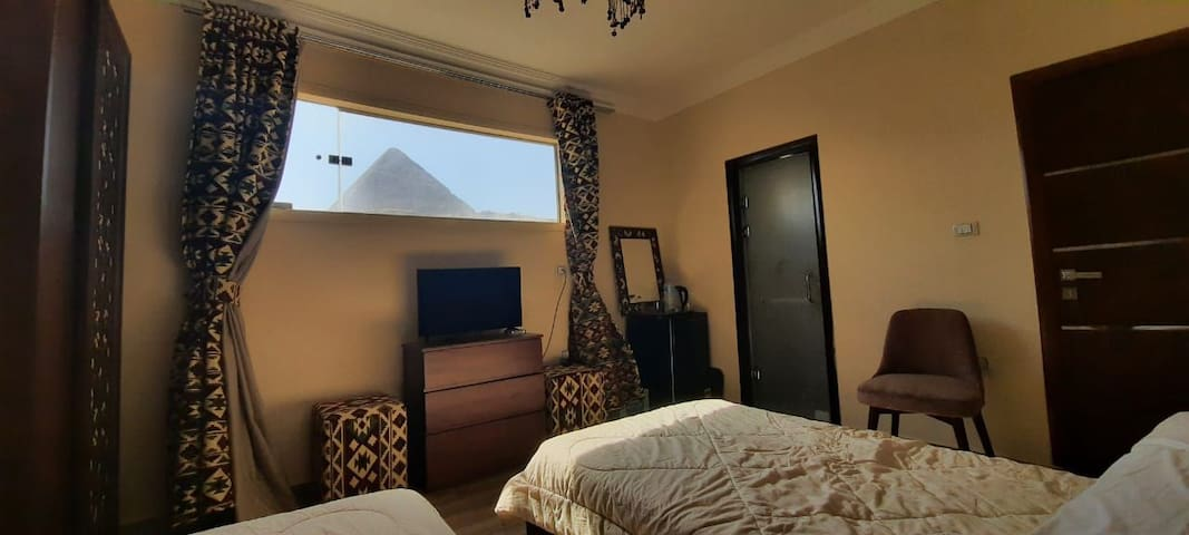 Private Family House Pyramids View